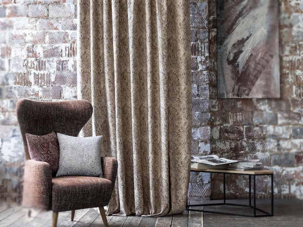 Ткани из коллекции GEMSTONE очень выгодно подчекивают современность класиического текстильного дизайна в интерьере