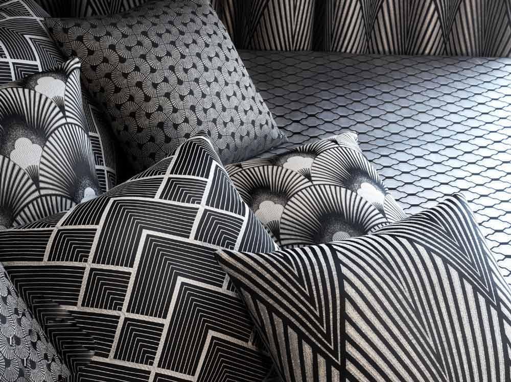 Вид ткани для штор, подушек и покрывал, графический рисунок (орнамент)