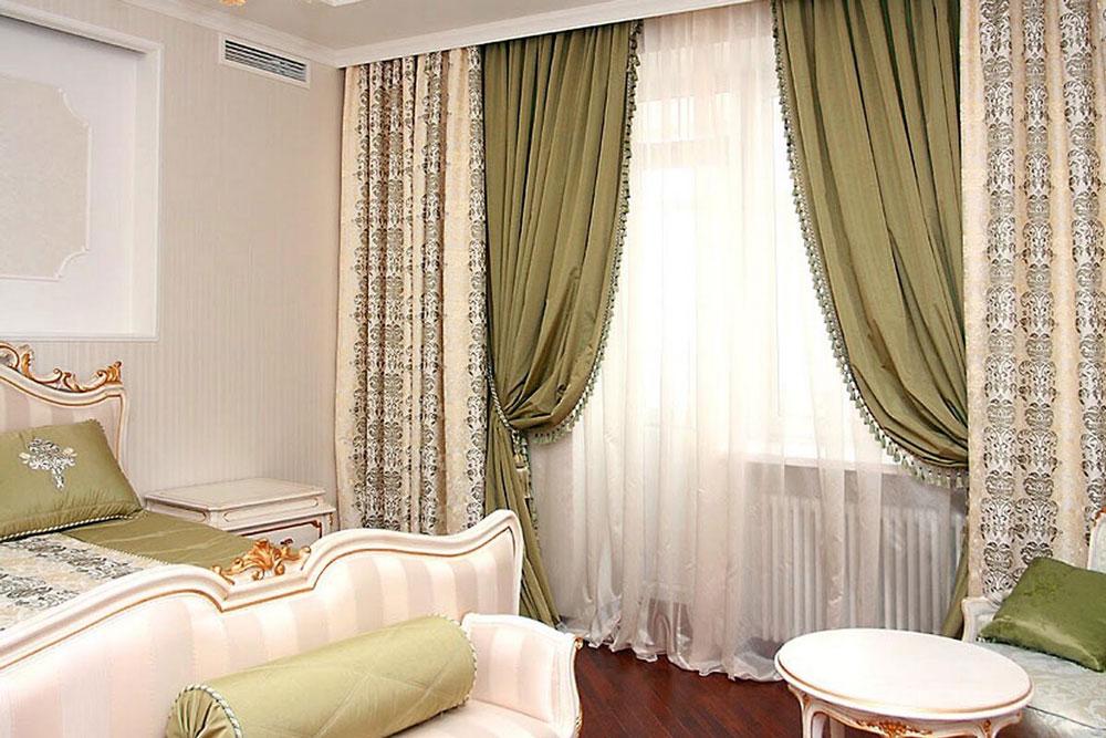 Шторы в спальне классического дизайна