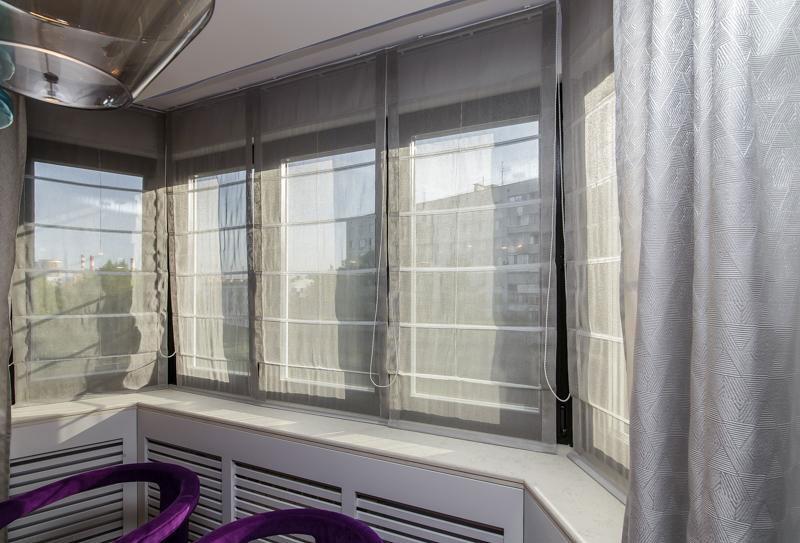 шторы римские на эркер городской квартиры