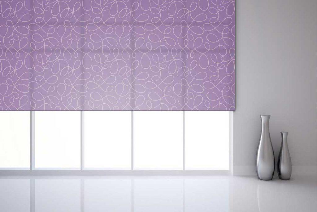 Рулонная штора фиолетовая-с-графическим абстрактным рисунком