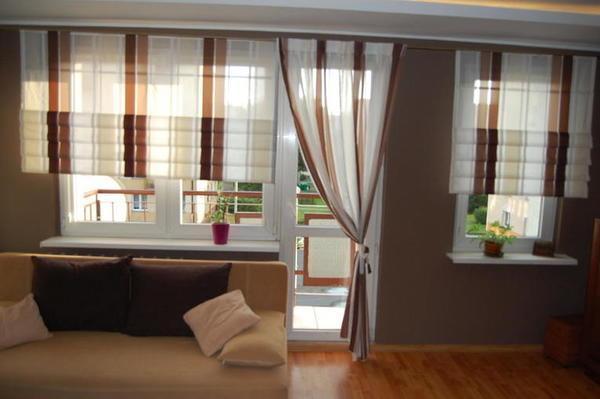 Римка с балконом в спальне