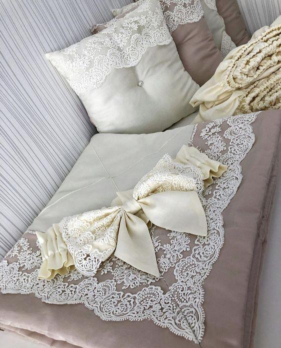 покрывало с подушкай